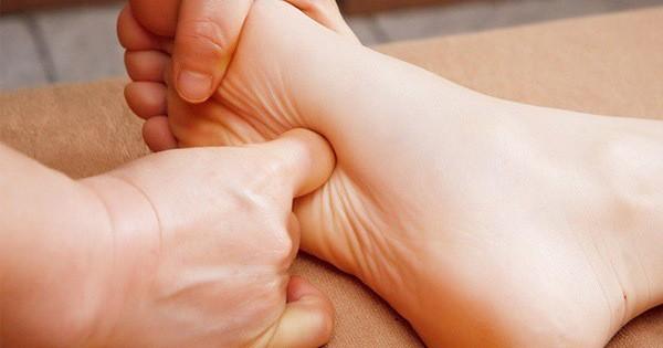Đàn ông làm 4 động tác đơn giản này mỗi sáng có thể giúp kéo dài tuổi thọ | Siêu rẻ Magazine |