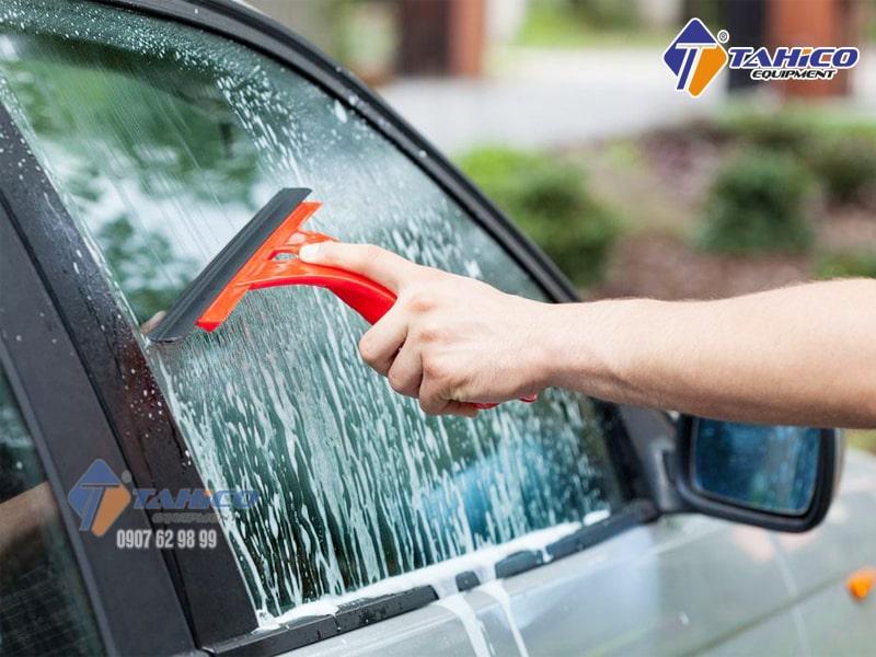 [Bảng Giá] Nước rửa kính ô tô - xe hơi chuyên dụng tốt nhất