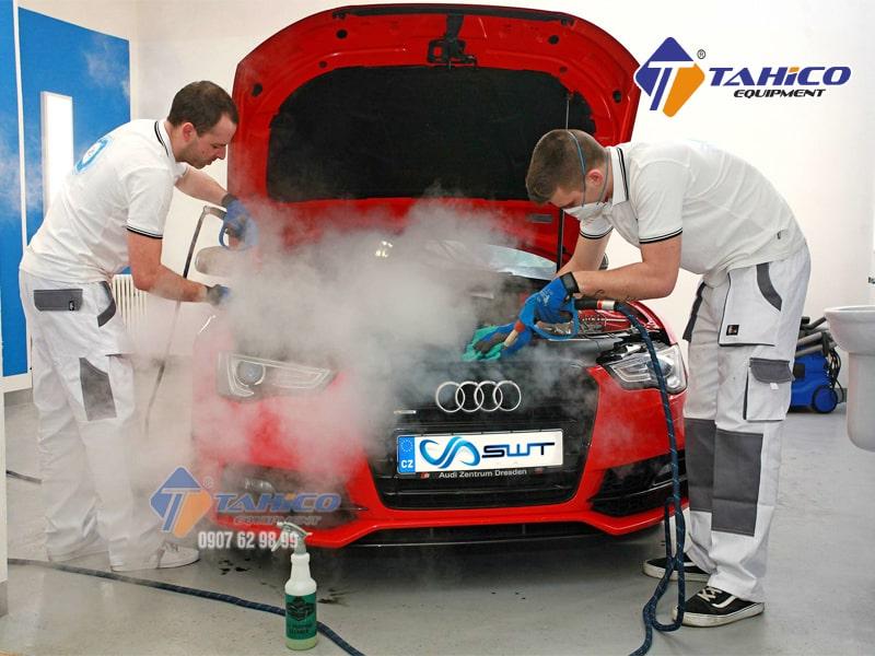 Dung dịch nước vệ sinh tẩy rửa làm sạch khoang máy ô tô [Giá Tốt]