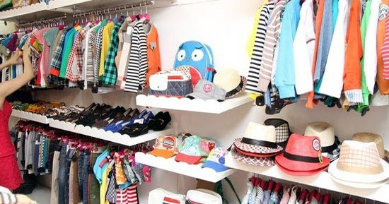 Giá kệ shop quần áo đẹp, giá rẻ: Phương pháp trang trí shop quần áo trẻ em diện tích nhỏ