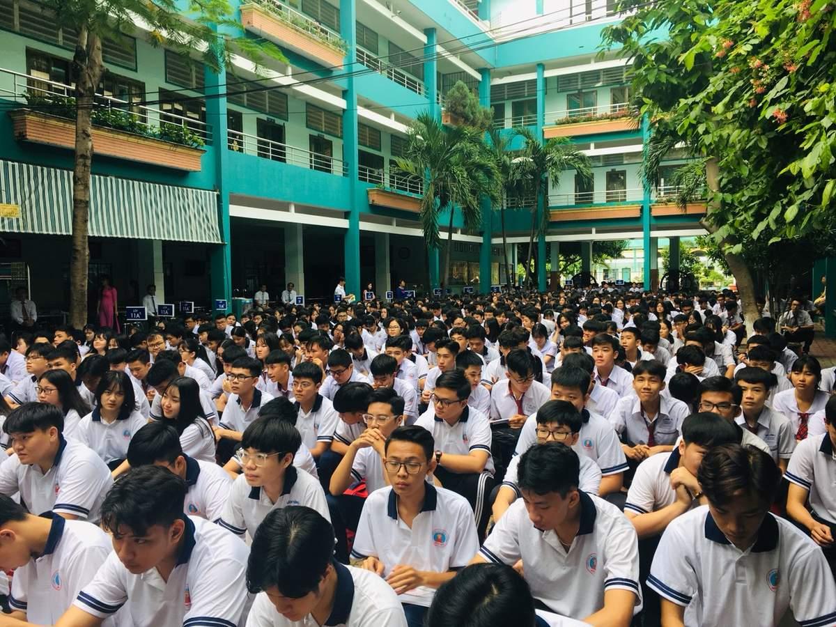 Vì sao chọn trường cấp 3 tốt nhất sài gòn là trường Hồng Đức  - truongtuthucuytintaitphcm.over-blog.com