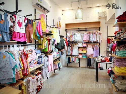 Cách trang trí shop quần áo trẻ em có diện tích nhỏ