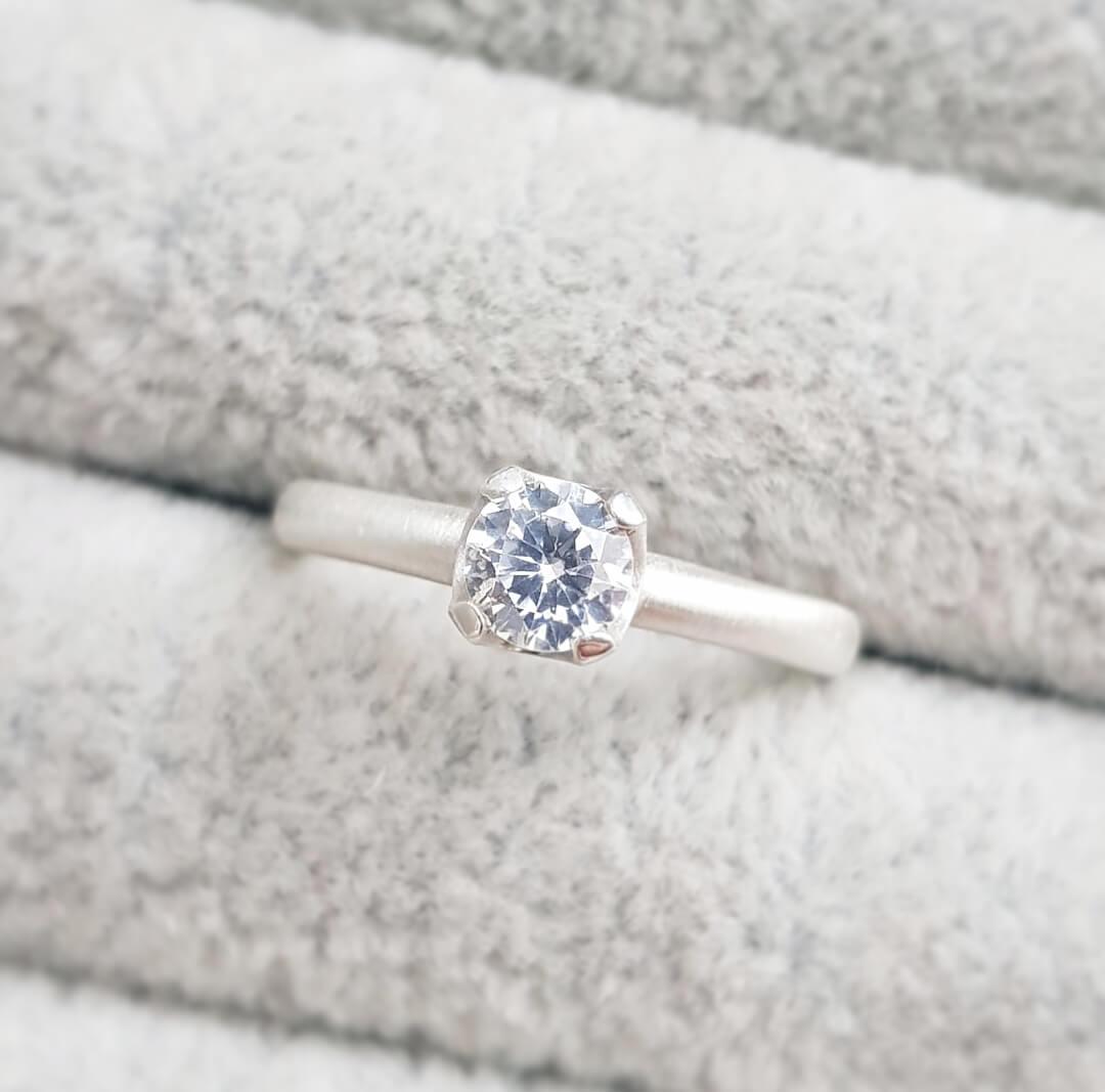 Kim cương 5 ly giá bao nhiêu tiền? xem ngay bảng giá kim cương tại đây