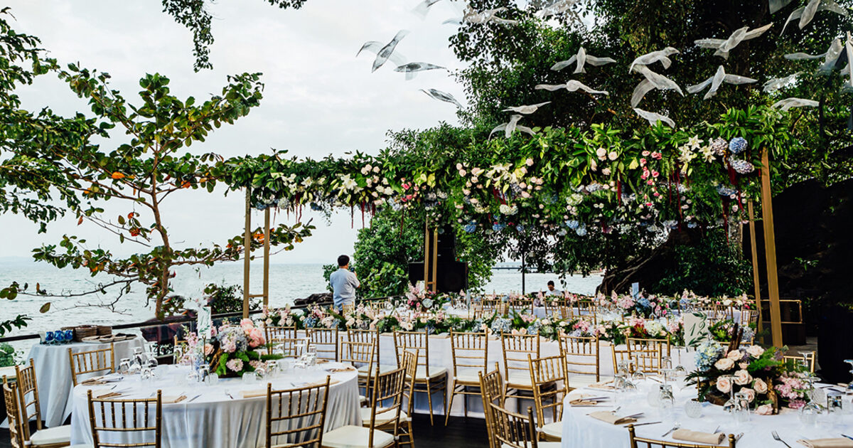 The new colors in wedding decoration