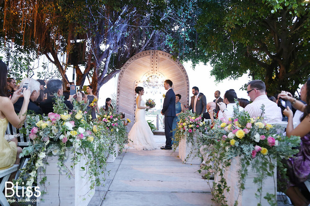 Instructions on how to choose flowers for wedding decoration