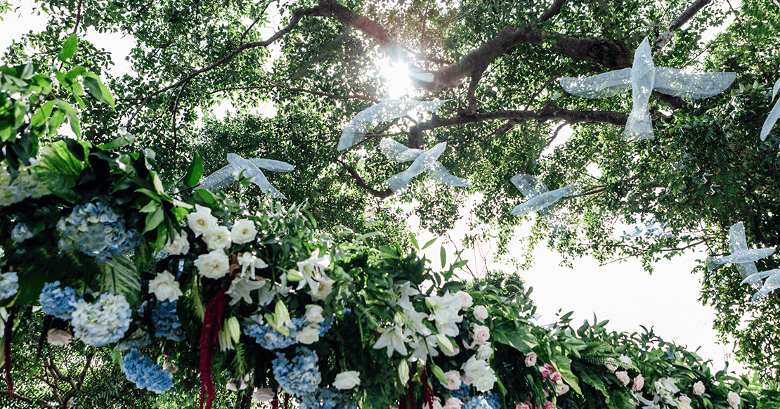 Trends in outdoor wedding decoration that young people can't miss